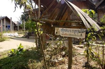 Leesbevorderingsproject 'Big Brother Mouse' in Nong Khiaw. Het blijft kriebelen!