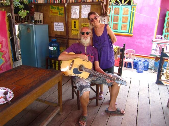 Waar Lance en Donna uit Nashville, Tennessee als vaste gasten de eigenaren helpen