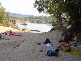 Bij de Fourthousand islands verandert de Mekong van een bruine vieze rivier in een turquoise paradijs