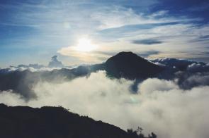 Zonsondergang halverwege de Rinjani