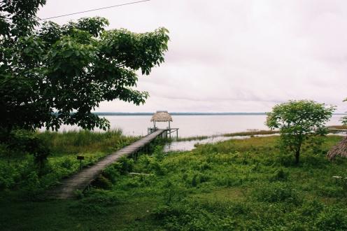 Prive steiger aan lago Petén