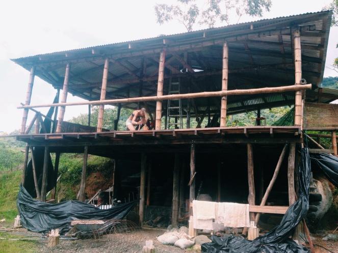 We hebben met bamboe een huis gebouwd (nouja, niet helemaal, maar wel een deel).