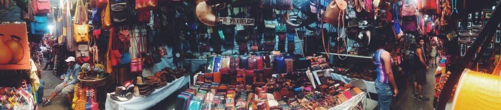 De souvenirmarkt in Masaya