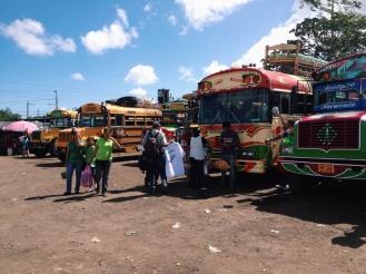 Het volgende chaotische busstation, maar de bussen blijven heel tof!