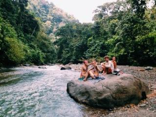 en tripjes naar de rivier.